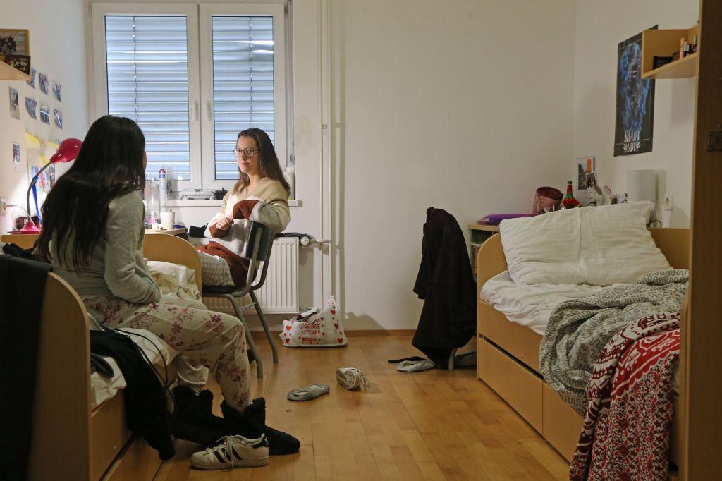 Lov za posteljo v študentskem domu odprt le še do petka