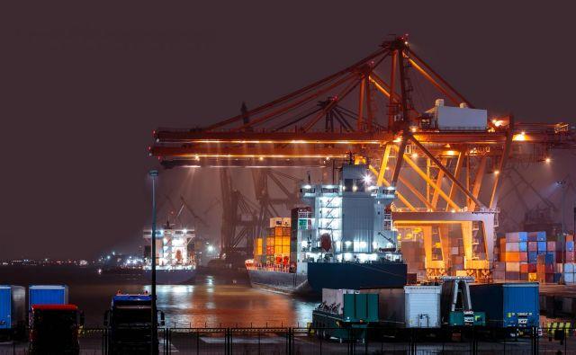 V pristanišču Gdynia načrtujejo gradnjo novih – tako cestnih kot železnih – dostopov in poglobitev plovnih poti. Foto Shutterstock