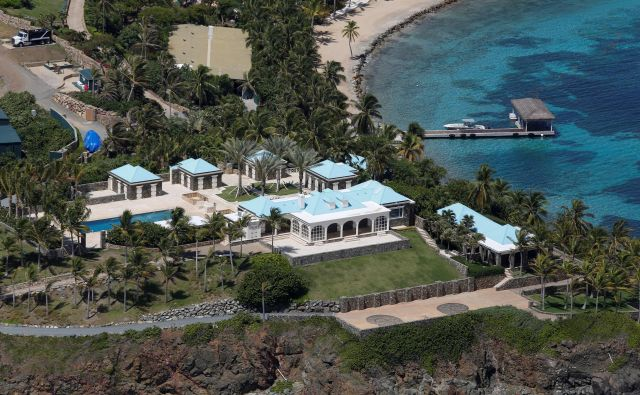 Otoček St. James so označili za »otok orgij« oziroma »pedofilski otok«. FOTO: Marco Bello/Reuters