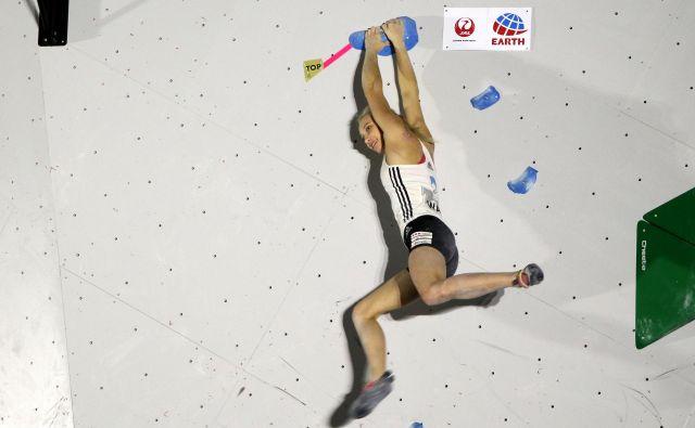 Janja Garnbret danes brani naslov svetovne prvakinje na balvanih. Nepremagljiva je bila v kvalifikacijah in polfinalu. FOTO: Manca Ogrin
