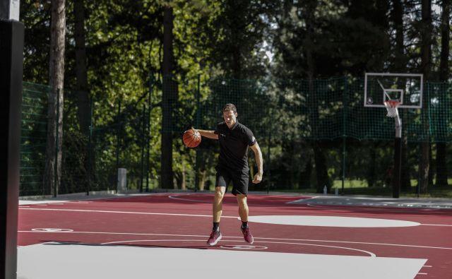 Goran Dragić med snemanjem videa o vadbi košarke v Tivoliju. FOTO: Uroš Hočevar/Delo