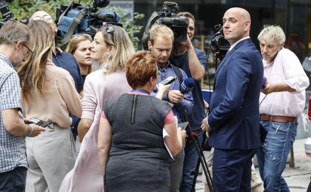 Na vprašanja novinarjev ni odgovarjal. FOTO: Matej Družnik/Delo
