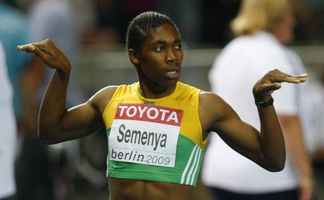 »Bi morala nositi oblekice, da bi me imeli za damo?« se ironično sprašuje Semenya, ključno – in precej bolj resno – vprašanje pa ostaja, kje v športu je meja med moškimi in ženskami.FOTO: Reuters