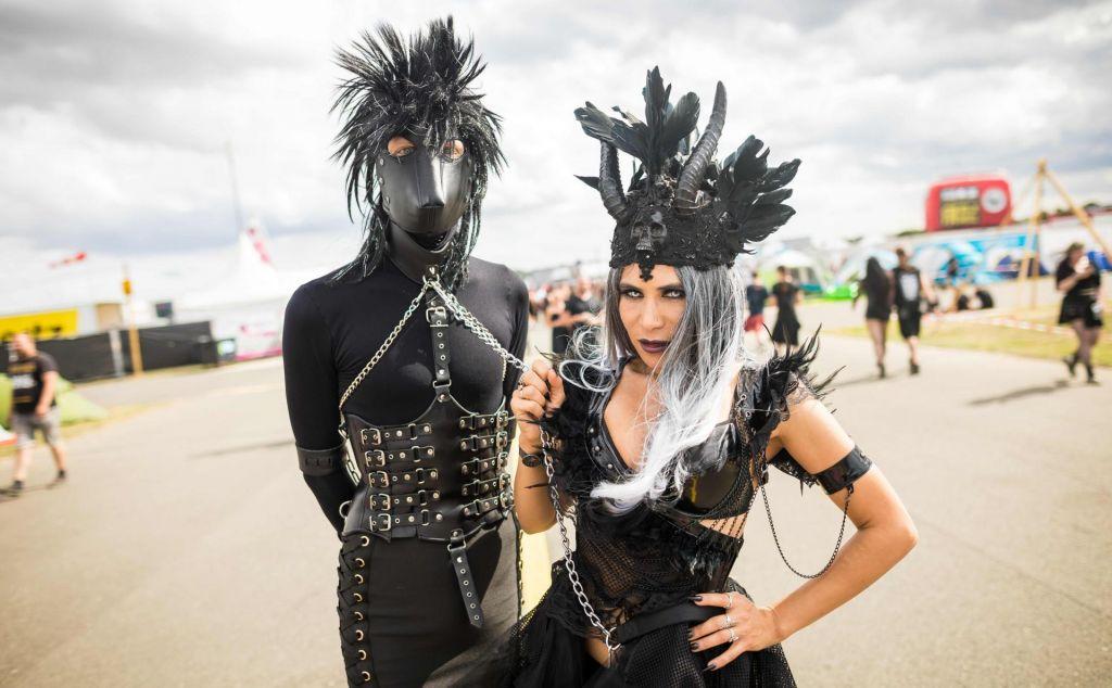 FOTO:Črn a vseeno barvit glasbeni festival