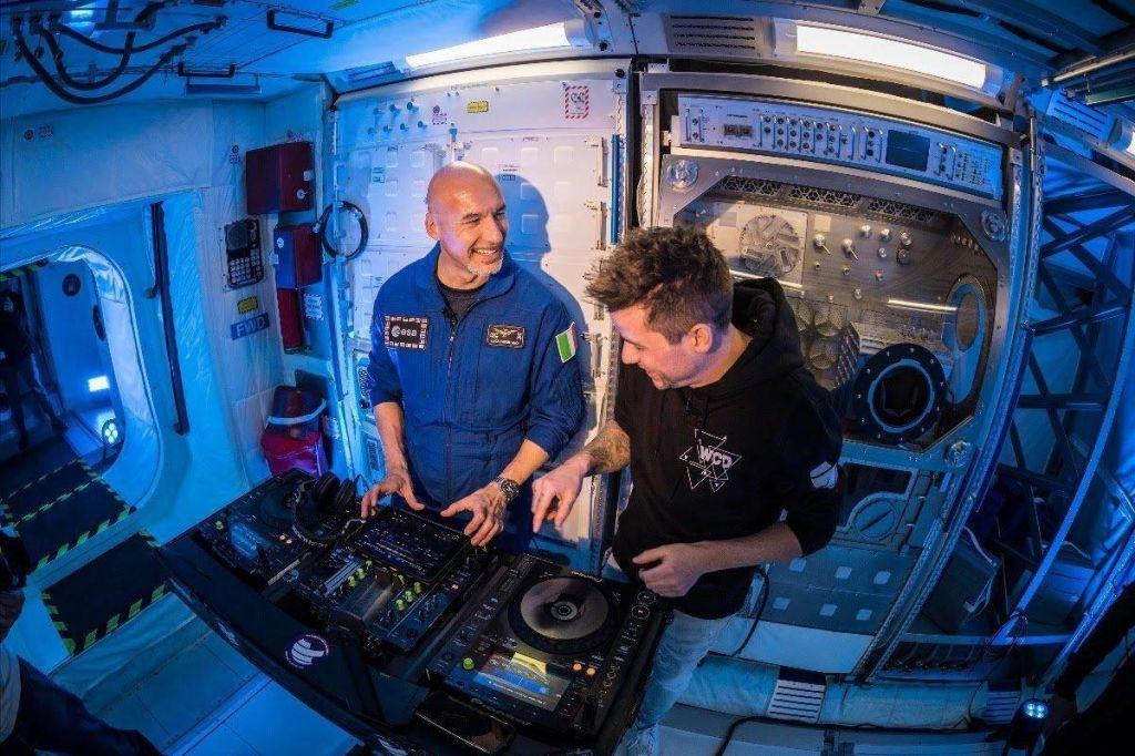 Prvi DJ iz vesolja