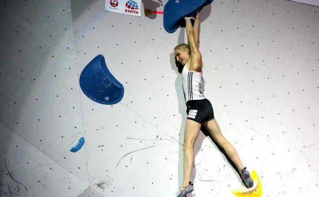 Janja Garnbret je neustavljiva. Dan po naslovu svetovne prvakinje na balvanih (na fotografiji) je bila najboljša tudi v težavnosti. FOTO: Manca Ogrin