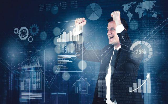 Podjetja morajo pri tekmovanju v razumevanju potrošniških navad kupcev uporabljati vse več aplikacij in poslovnih orodij, ki spremljajo in analizirajo velike količine podatkov, saj le tako lahko kupcem ponudijo več vrednosti. FOTO: Shutterstock
