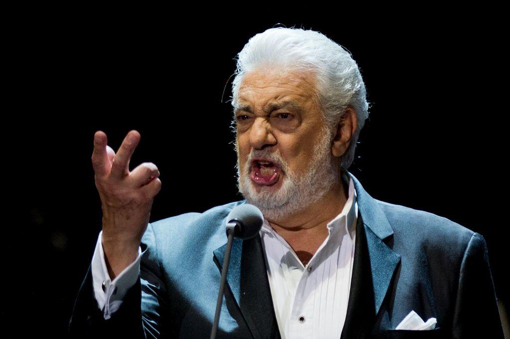 Ugledni glasbeni ustanovi že odpovedali sodelovanje z legendarnim tenoristom