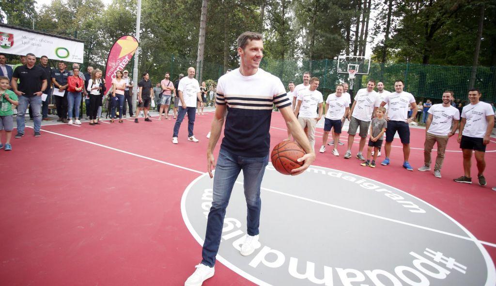 FOTO:Goran Dragić se je mučil s trojko, a že v prvo s sredine (FOTO)