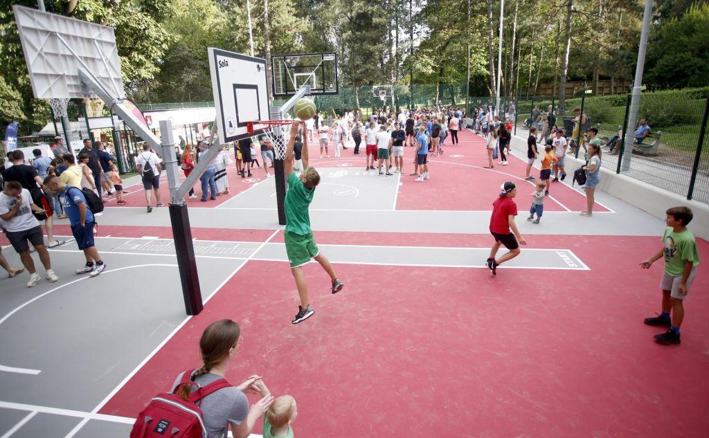 FOTO:Gogijevo pametno košarkarsko igrišče je zaživelo