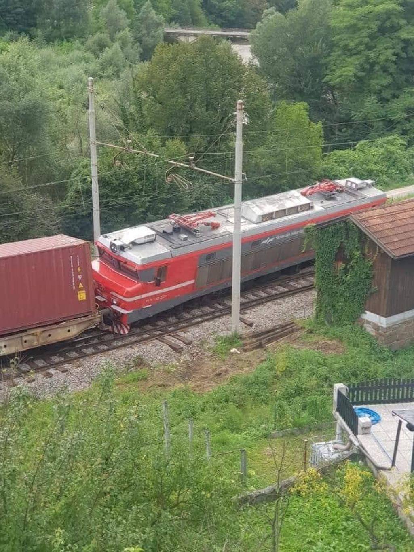V Rimskih Toplicah spet iztiril vlak, a tokrat tovorni