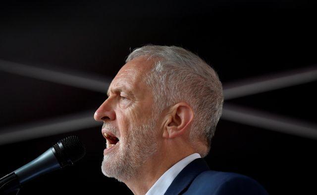 Po uspešnem glasovanju o nezaupnici je Corbyn pripravljen za omejen čas prevzeti vodenje vlade, da bi preprečil brexit brez dogovora. FOTO: Toby Melville Reuters