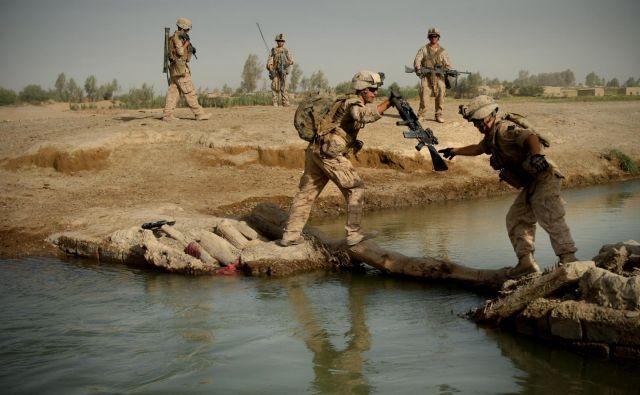 Uradna razglasitev dogovora o prekinitvi ognja v Afganistanu je za zdaj negotova. FOTO: Jure Eržen/Delo