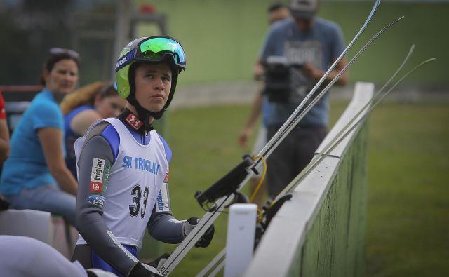 Tilen Bartol je v Zakopanah skočil rekordnih 144 m, Slovenija pa je bila peta. FOTO: Jože Suhadolnik/Delo