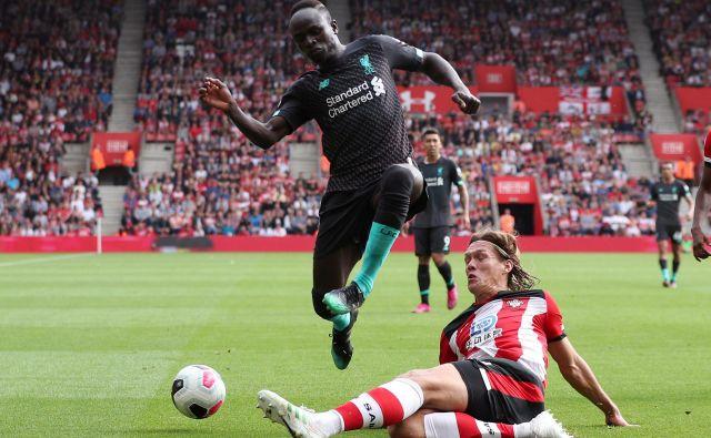 Liverpoolov napadalec Sadio Mane je na začetku sezone v odlični formi, saj je zadel na obeh prvenstvenih tekmah in tudi v v sredo v evropskem superpokalu. V tem letu je dosegel že 20 golov v vseh tekmovanjih. FOTO: Reuters