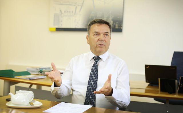 Komercialni direktor Kolektorja Etre Peter Novak je medtem povedal, da so si za posel s Fingridom prizadevali od leta 2013 in morali za prijavo na zadnji razpis najprej prestati predkvalifikacije. Šele potem so se lahko prijavili na javni razpis za izbiro najboljšega ponudnika. Foto Leon Vidic/Delo