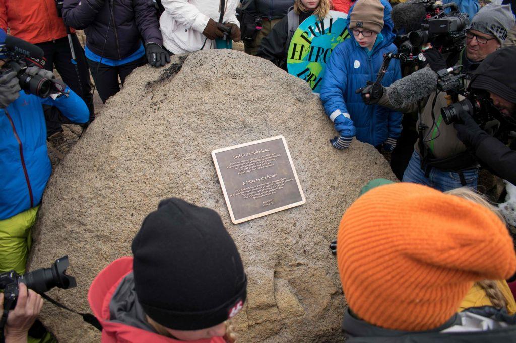 FOTO:Na Islandiji spominska slovesnost za prvo žrtvijo podnebnih sprememb