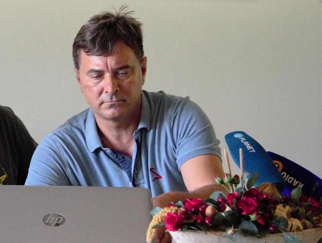 Novak zaradi javnih kritik vodstva SV pogojno pred odpovedjo