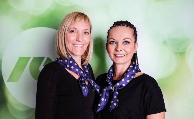 Pri storitvi NLB videoklic za gluhe sodelujeta tolmački Natalija Spark (levo) in Karin Brumen. Foto DGNL