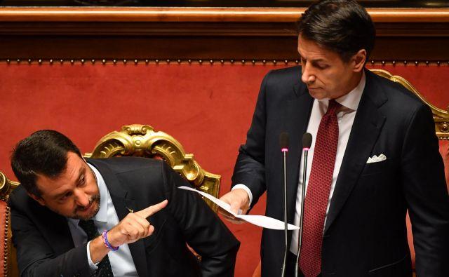 Conte je obtožil Salvinija, da je oportunistično umaknil svojo stranko iz koalicije, da bi unovčil visoko volilno podporo. Foto Afp