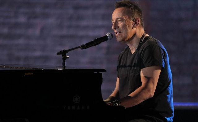 Rocker, ki se ga je prijel vzdevek The Boss, je prepoznaven tako po rock skladbah kot skladbah s prvinami folka. FOTO: Lucas Jackson/Reuters