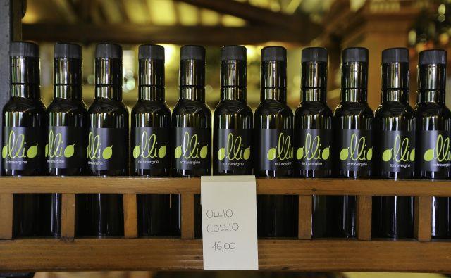 ZDA pridelajo le pet odstotkov lastnega olivnega olja, ostalo uvozijo iz Sredozemlja. FOTO: Jože Suhadolnik
