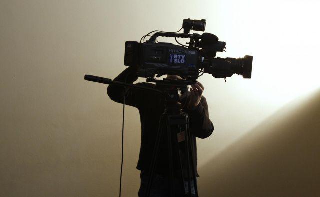 Kdaj je televizija zdrsnila v cenenost, ne vem, po mojem nekje sredi devetdesetih, ko se je ves »prime time« napolnil s »fejst« oddajami. Foto Blaž Samec