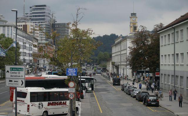Javni promet najpogosteje uporabljajo dijakinje in dijaki. FOTO Bla�ž Samec/Delo
