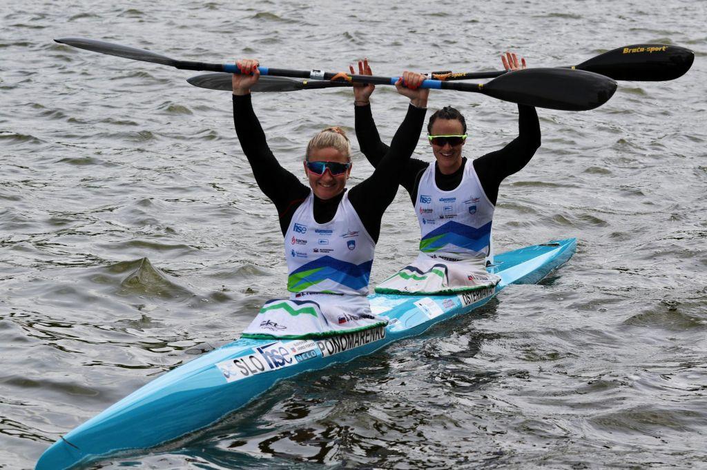 Ponomarenkova in Ostermanova suvereno v finale