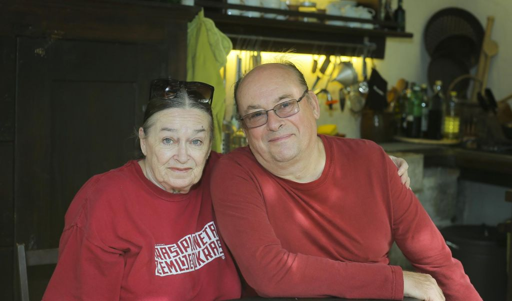 FOTO:Na obisku: Gojcu in Zvonki se s Krasa nikamor ne mudi