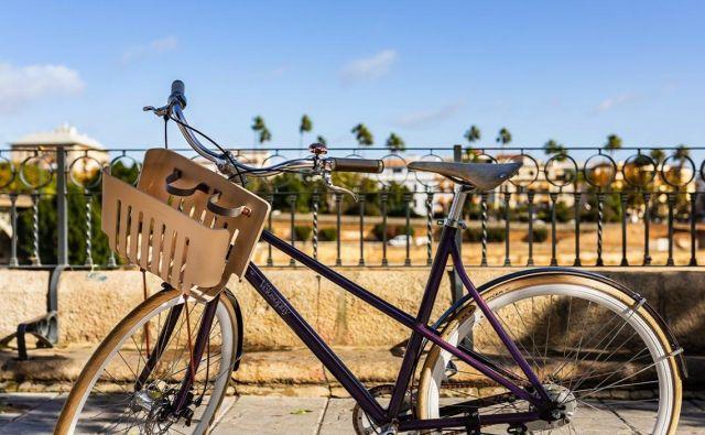 Švedski proizvajalec koles Velosophy je kolo izdelal iz 300 kavnih kapsul. FOTO: Velosophy.cc