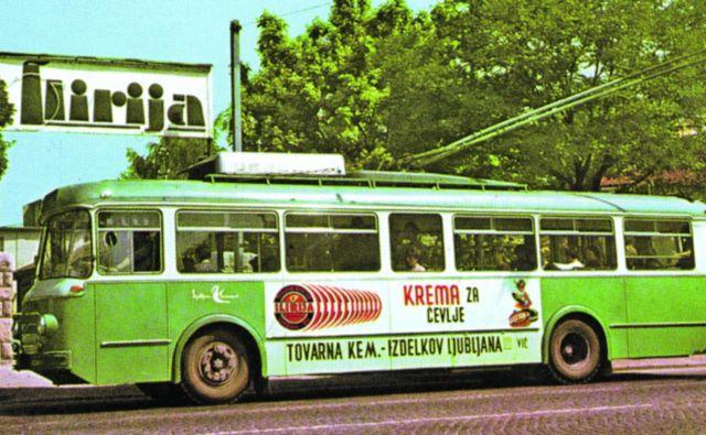 Takšen je bil do potnikov razmeroma prijazni ljubljanski trolejbus z Avtomontažino karoserijo. Fotodokumentacija Dela