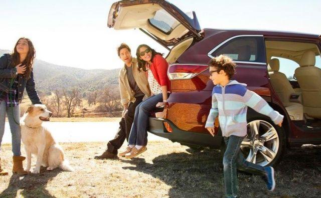 Ne, cen nismo gledali, nismo upali, avtomobili so še vedno pregrešno dragi, iskali smo uporabnost.Foto: Mazda