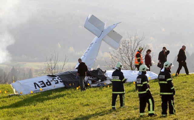 Pilotovo pozornost je med letom zmanjševalo še fotografiranje iz zraka. FOTO: Dejan Javornik