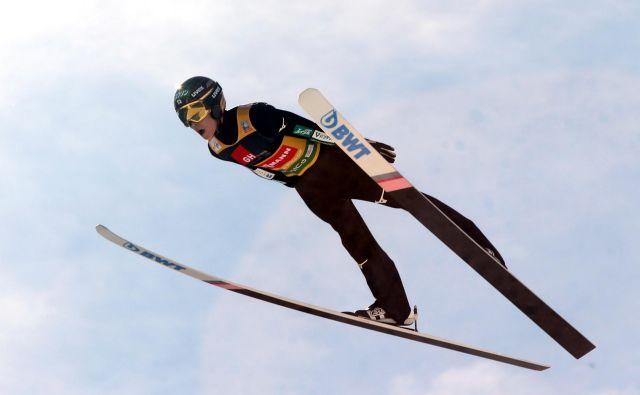 Japonski skakalni zvezdnik Rjoju Kobajaši je prepričljivo zmagal na prvi tekmi v Hakubi. Foto: Marko Feist