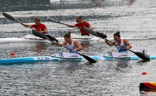 Naši kajakašici sta na SP na Madžarskem osvojili 2. mesto.<br /> FOTO Nina Jelenc/KZS