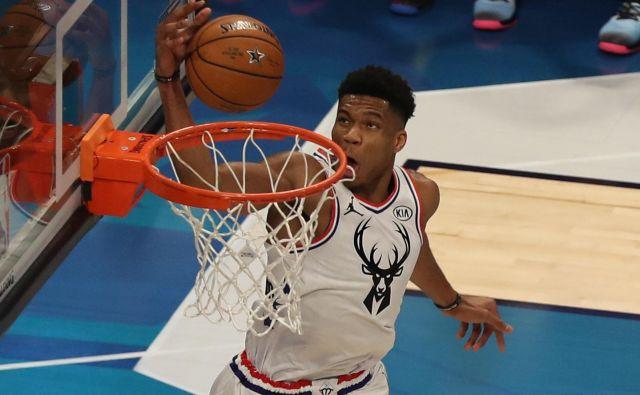 MVP rednega dela minule sezone v ligi NBA Giannis Antetokounmpo iz moštva Milwaukee Bucks je prvi zvezdnik grške reprezentance in SP. FOTO: USA Today Sports