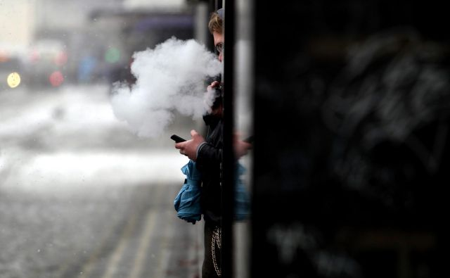 Število kadilcev v ZDA je na zgodovinsko nizki ravni.FOTO: Roman Šipić/Delo