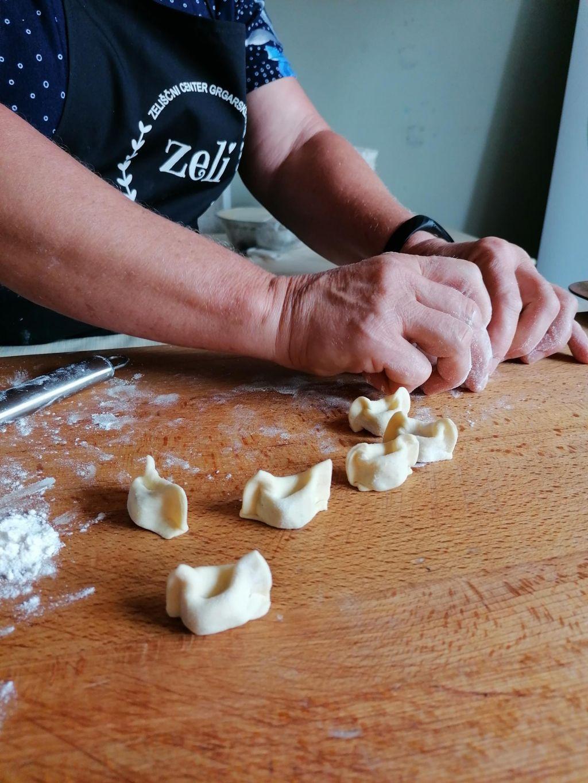 FOTO:Tradicionalna jed, ki že dolgo ni več ponujena le z bakalco