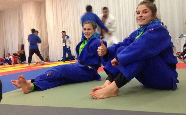 Maruša Štangar (desno) se je od svetovnega prvenstva v Tokiu poslovila že po prvem dvoboju. Jutri bo na tamkajšnje blazine stopila njena starejša sestra Anja. FOTO: Facebook
