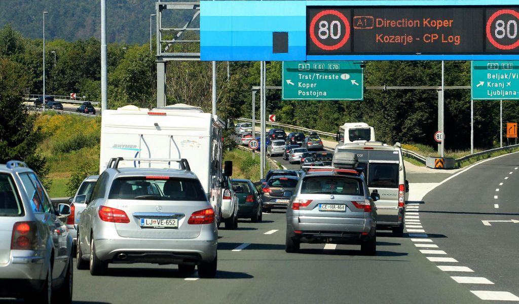 Razmere v prometu po državi se počasi umirjajo
