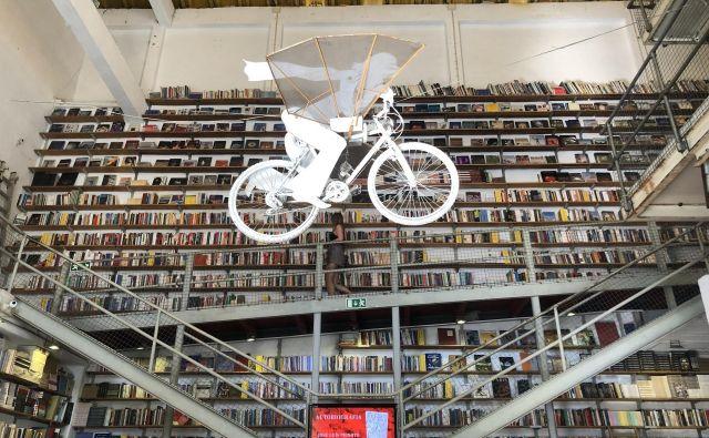 Knjigarna Ler Devagar v Lizboni. Foto: Mimi Podkrižnik
