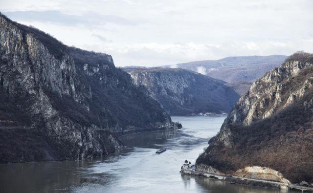 Soteska je dolga sto kilometrov, po njej pa Donava še zadnjič buči skozi gorovje, preden se dokončno umiri in razlije v delto Črnega morja. FOTO: Wikipedija