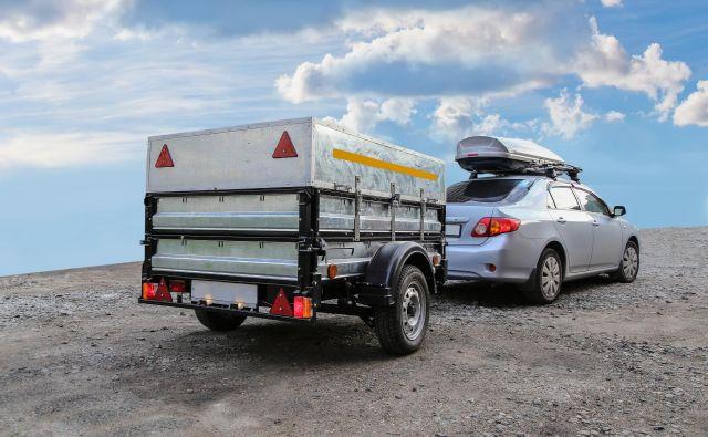 Ko zmanjka prostora v avtomobilu in na strehi, je čas za dodatno prikolico. Pred tem bo treba namestiti vlečno kljuko. FOTO: Shutterstock
