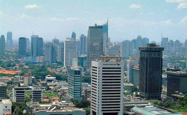 Po ocenah strokovnjakov bo že leta 2050 velik del Džakarte pod vodo. FOTO: Wikipedia