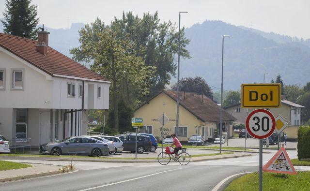 Odločitev omestitvi Dola pri Ljubljani v Južnoštajersko pokrajino se zdi marsikomu zgrešena. Foto Jože Suhadolnik
