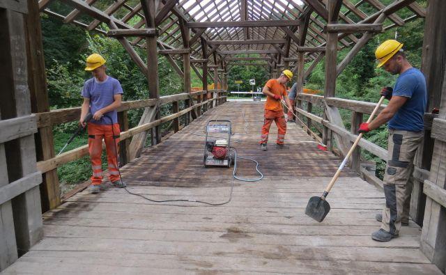 Dotrajan most bodo vendarle temeljito obnovili. Foto Bojan Rajšek
