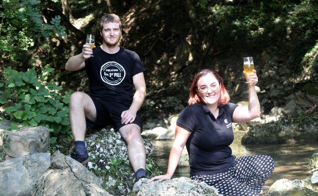 Matej Pelicon in Anita Lozar imata vodni vir tako rekoč na pragu pivovarne. FOTO: Mavric Pivk