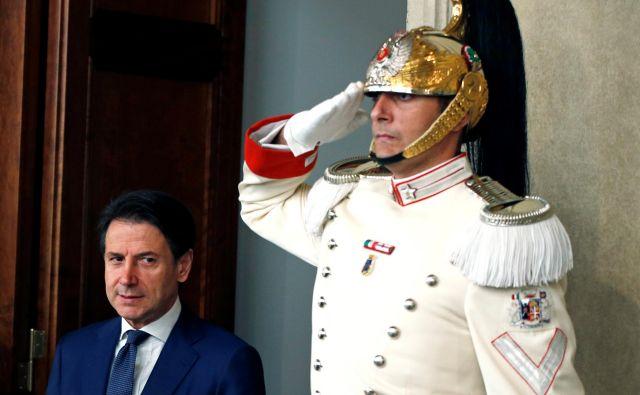 Vlada je v rokah novega starega premiera Giuseppeja Conteja, ta bo potreboval veliko poguma in, ja težko bo. FOTO: REUTERS/Ciro de Luca.