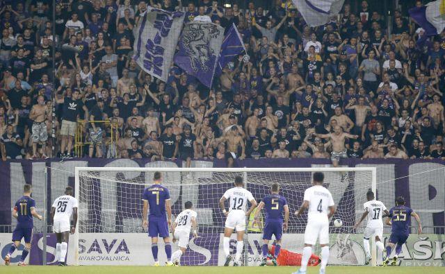 Ludogorec je zabil Mariboru drugi gol po nespametni potezi Mitje Vilerja.FOTO: Roman Šipić